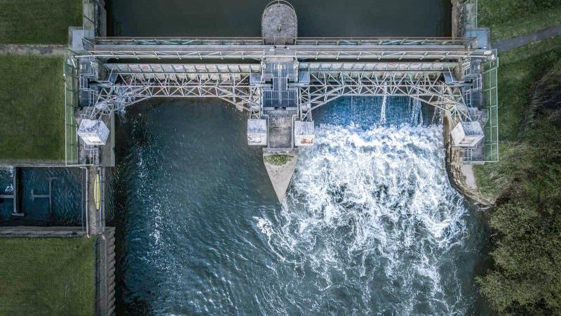 Cómo mejorar tus fotos aéreas presa de agua